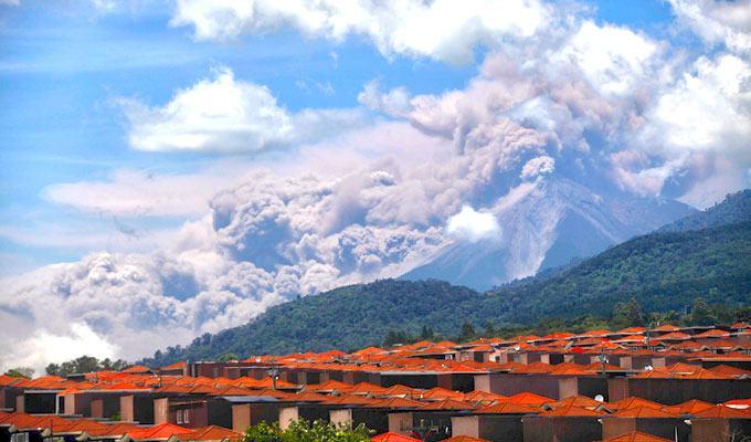 Foto de vulcão em erupção: Vulcão de Fuego, Guatemala