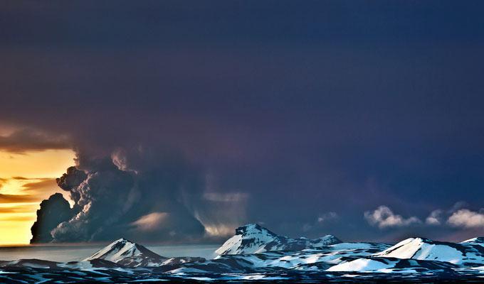 Foto de vulcão em erupção: Grimsvotn, Islândia