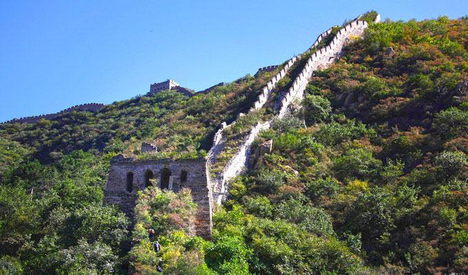 Fotos da Muralha da China no meio da selva chinesa